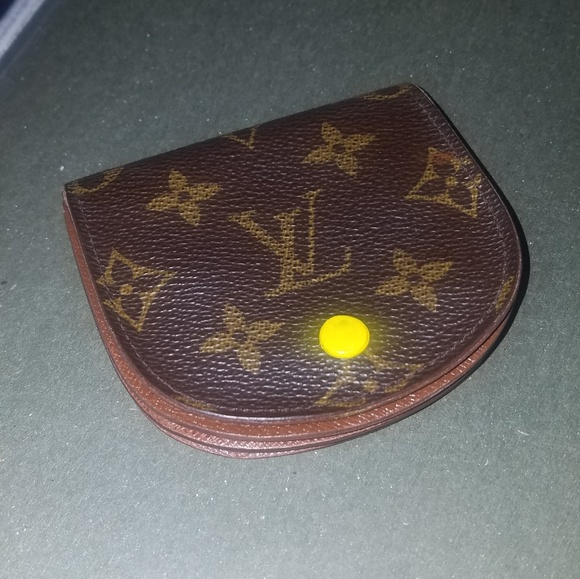 5a84e3c99b8 Louis Vuitton Porte Monnaie Gousset Coin Purse
